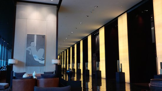 The PuLi Hotel and Spa : lobby