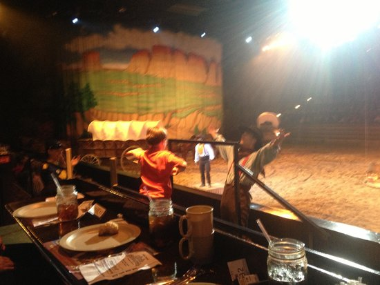 Dolly Parton's Dixie Stampede Dinner & Show: Fun ropin