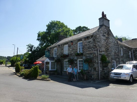 The Wolf Inn Restaurant: The front of the pub
