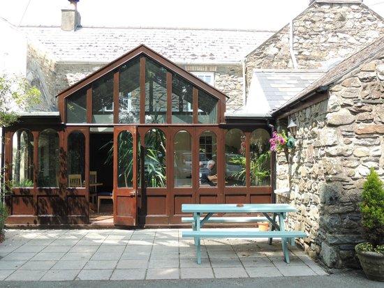 The Wolf Inn Restaurant: The conservatory