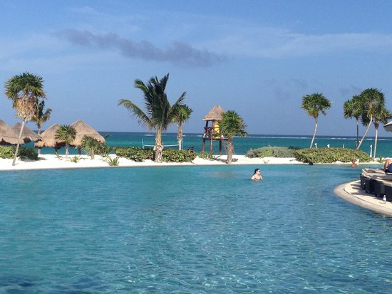 Secrets Maroma Beach Riviera Cancun: Infinty Pool A MUST