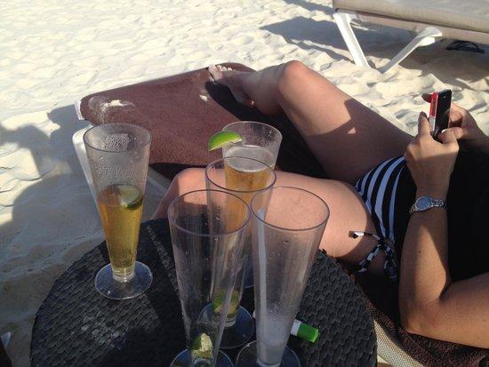 Secrets Maroma Beach Riviera Cancun: a few drank Corona's