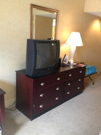 Lancaster Host Resort and Conference Center: Room Furniture 2014