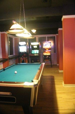 Black Marlin's Bar & Grill : Games
