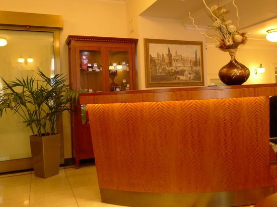 Amigo City Centre Hotel: Reception