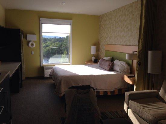 Home2 Suites by Hilton Huntsville / Research Park Area : Room