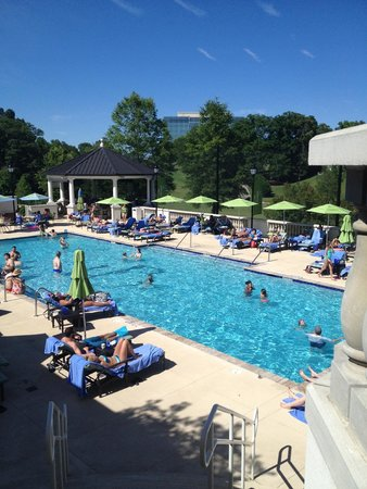 The Ballantyne, Charlotte: pool area