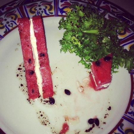 Sun Palace: Салат в мексиканском ресторане:арбуз с сыром