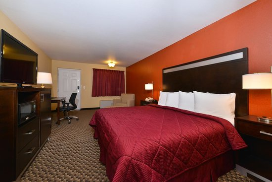 Quality Inn: King Room