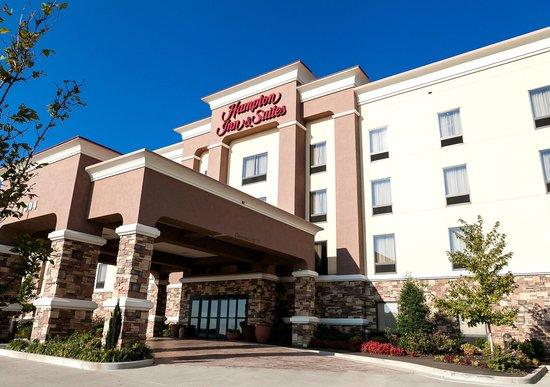 Hampton Inn and Suites Tulsa Hills: Hotel