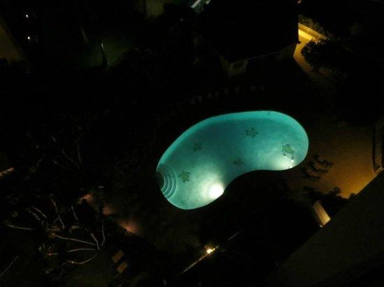Royal Kahana: pool