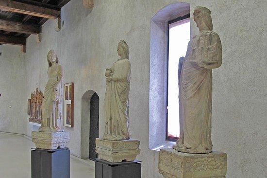 Museo di Castelvecchio: Statues