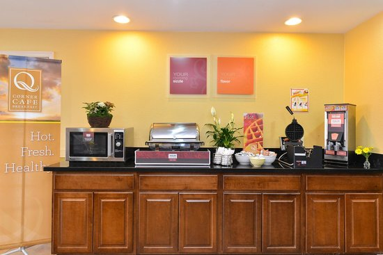 Quality Inn: Hot Food Station