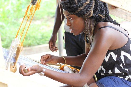Four Villages Inn: Weaving in Adanwomase, Kumasi, Ghana