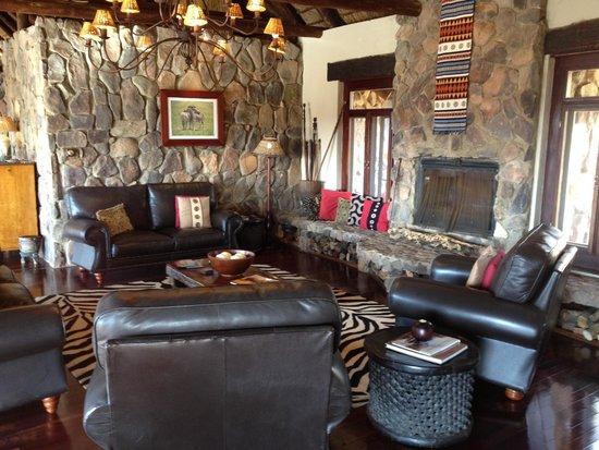 Pitse Lodge: Woonkamer in gezamenlijke ruimte