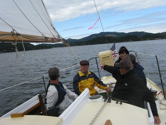 Northwest Classic Daysailing: robbie in controle