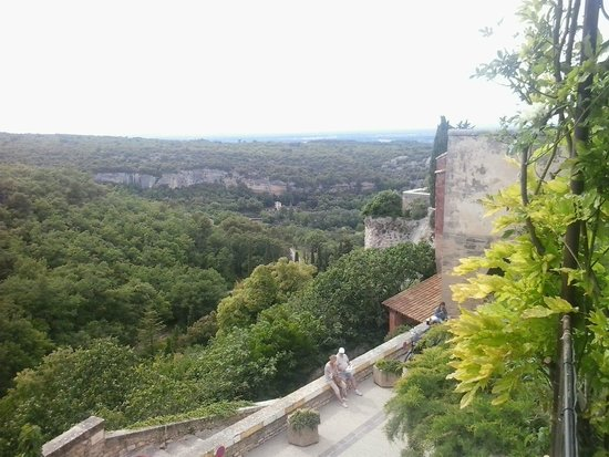 Restaurant Les Remparts : Uitzicht vanaf het terras