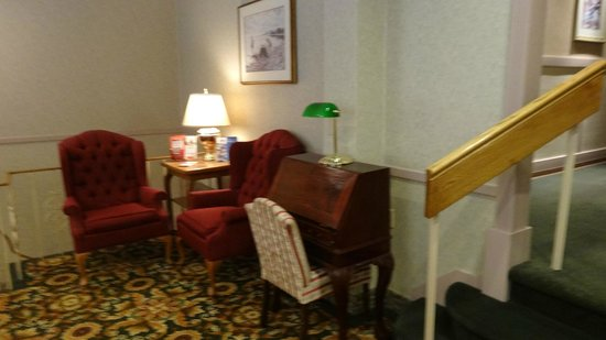 The Kingston Hotel Bed & Breakfast: Quiet nook to sit & relax
