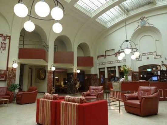 Rho Hotel: Hall Hotel