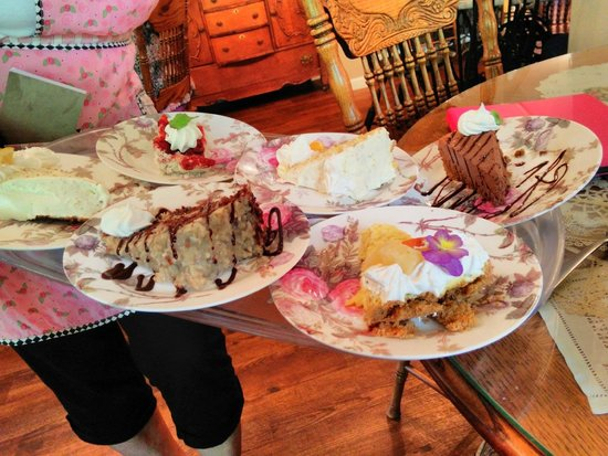 Simply Scrumptious Tea Room and Emporium : Great dessert choice.