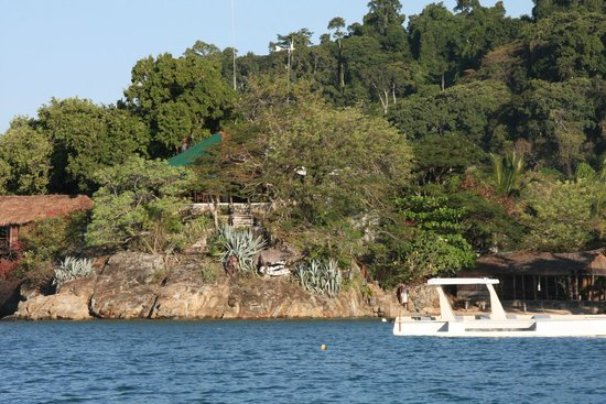 Auberge Le Maki Lodge: Vista Lodge dal mare