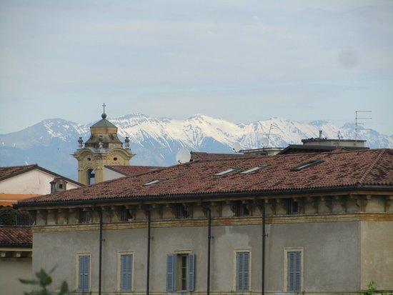 Hotel Verona: Vista do quarto