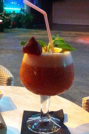 Eiffel Bar: Avec des fruits frais. Celui ci est sans alcool.
