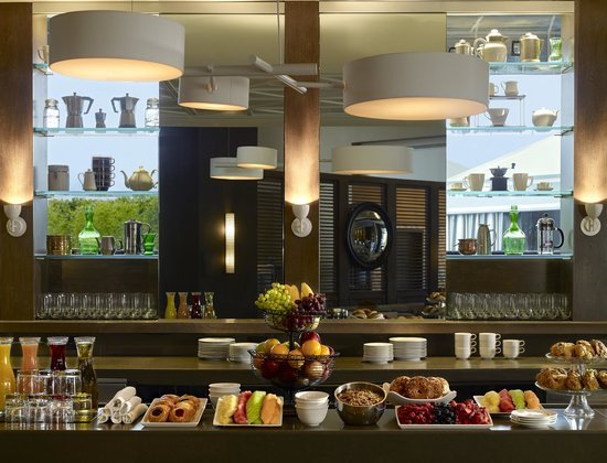 Le Meridien Delfina Santa Monica: The Longitude Bar + Restaurant Offers a Breakfast Buffet Daily