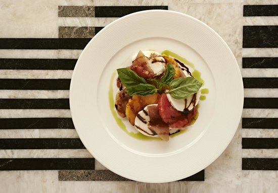 Le Meridien Delfina Santa Monica: Caprese and Tomato Salad