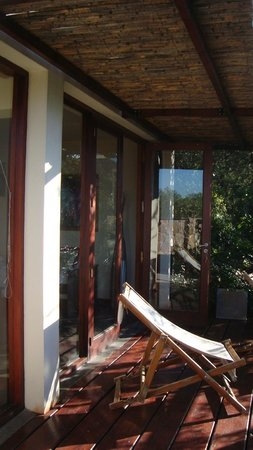 Cabanas La Lomada: terraza-deck