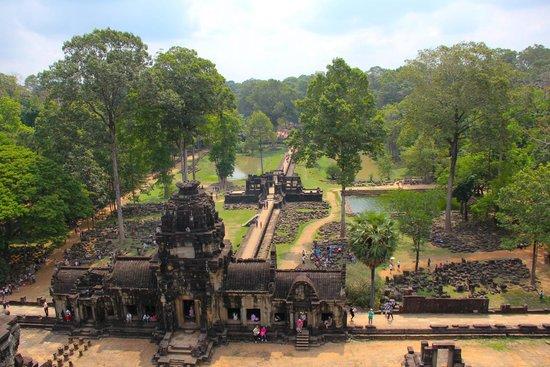 Soryar Services Day Tours: Angkor Tom