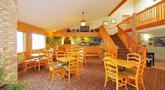AmericInn Lodge & Suites Merrill : Americinn Merrill