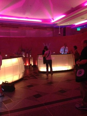W Minneapolis - The Foshay: Lobby