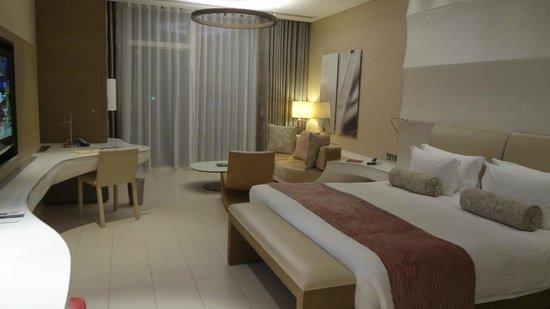 Yas Viceroy Abu Dhabi : Habitacion