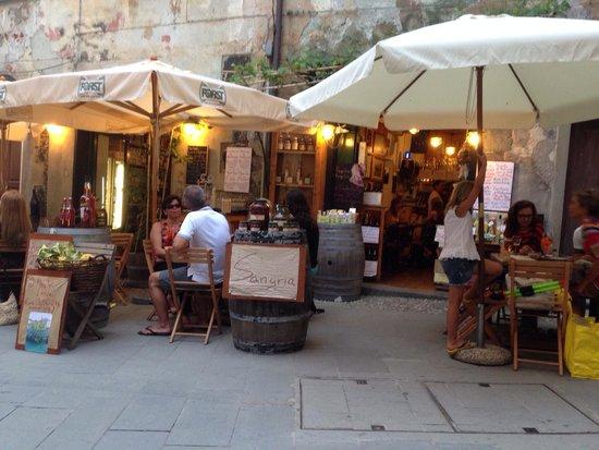 Enoteca da Eliseo: I tavoli all'esterno!