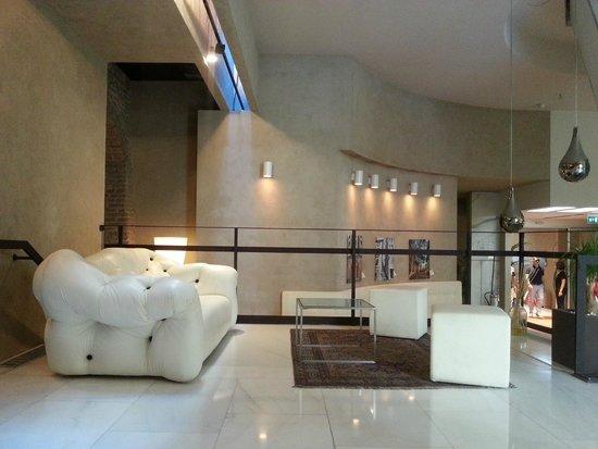 Palazzo Victoria: lobby