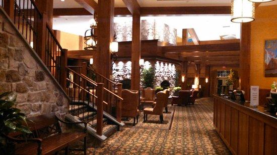 Hershey Lodge: The Lodge lobby