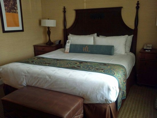 Hershey Lodge: King Suite