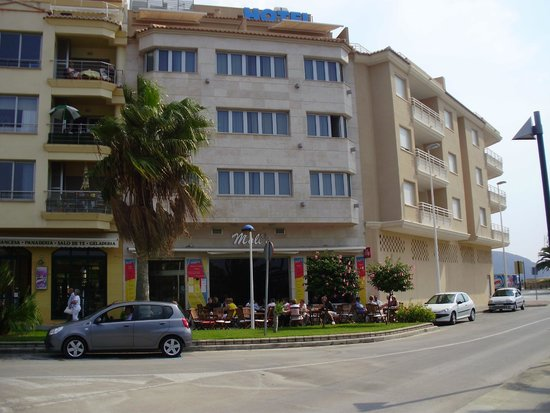 Sand Restaurant: Restaurante Sand y arriba el Hotel La Sort
