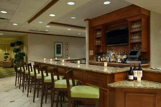 Hilton Garden Inn Schaumburg: Lounge at Garden Grille and Bar