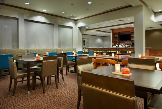 Hilton Garden Inn Schaumburg: Garden Grille and Bar