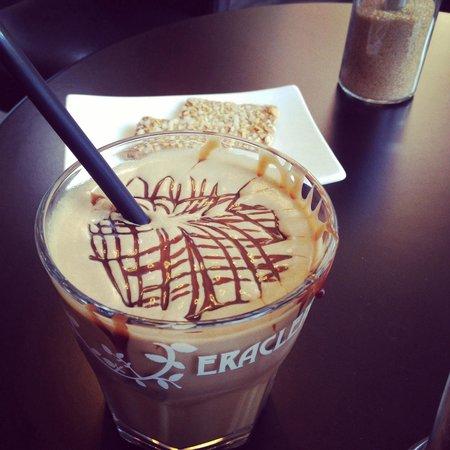 Moods Coffee Corner: Frozen Cappuccino��
