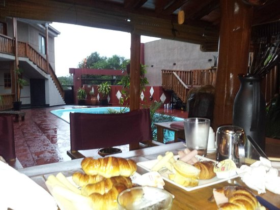 Tupa Hotel Boutique: Desayunando en el quincho
