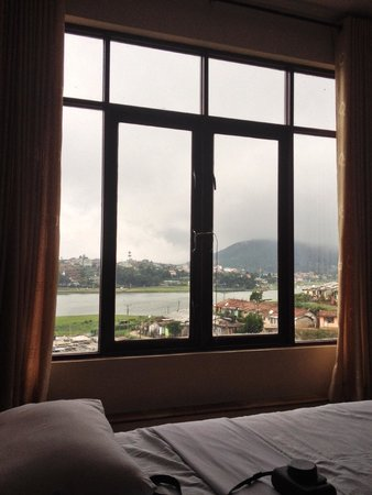 The leisure village Nuwara Eliya : View from the room (2nd floor, Staircase)