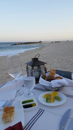 Hilton Los Cabos Beach & Golf Resort : Private dinner on the beach... Great service.