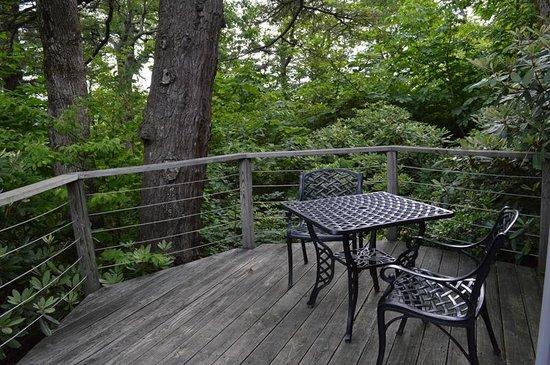 Gideon Ridge Inn: Cedar Cottage Porch