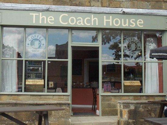 The Mallyan Spout Hotel: Mallyan Spout Hotel's Coach House Coffee Shop : June 2014