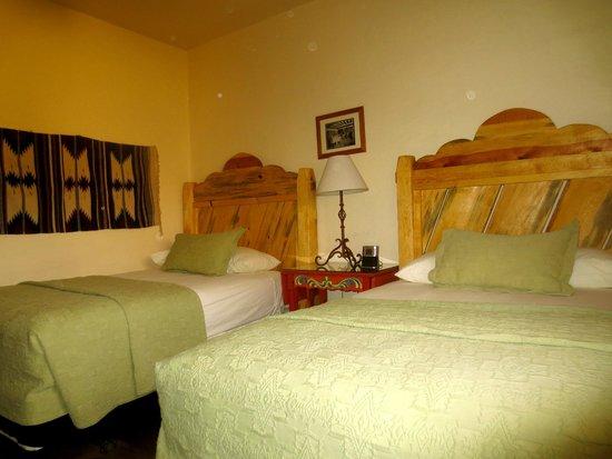 La Posada Hotel: Our bedroom