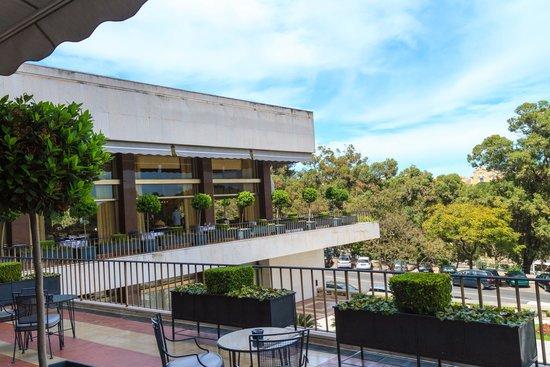 Four Seasons Hotel Ritz Lisbon: exterior public spaces