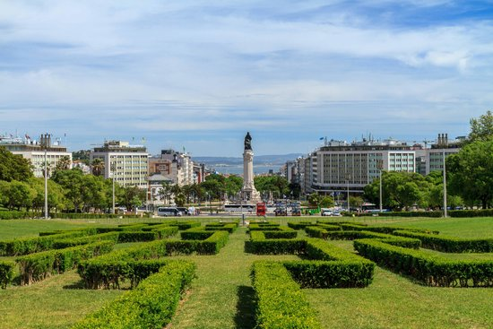 Four Seasons Hotel Ritz Lisbon: Eduardo VII park just a block away